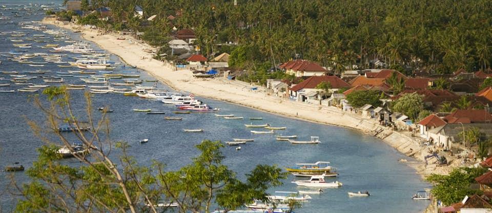 view of jungutbatu beach in nusa lembongan bali