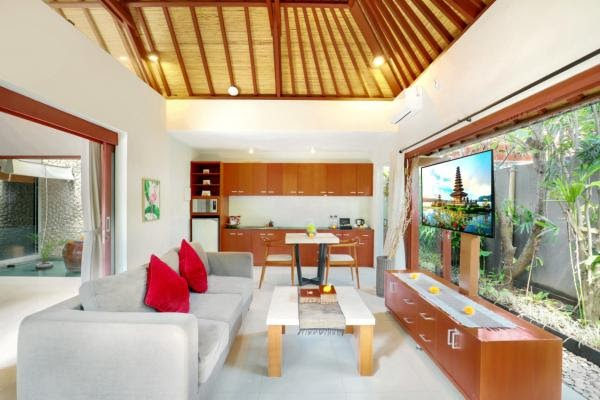 living space in Legian Kriyamaha Villa