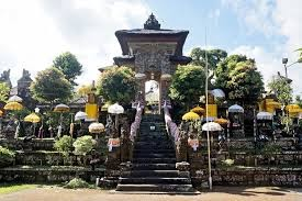 samuan tiga temple