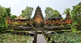 taman saraswati temple in bali