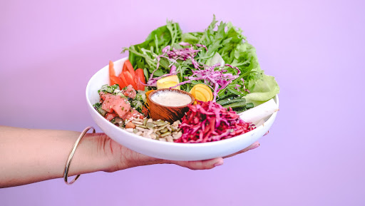Spoil Yourself with Delicious and Healthy Foods from 8 Best Salad Bar in Bali!