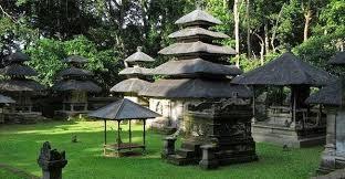 alas kedaton temple in bali