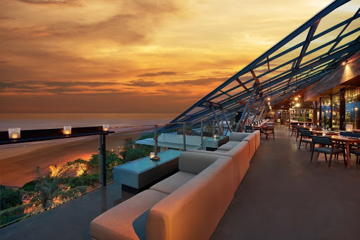 Moonlite Kitchen & Bar rooftop bar bali