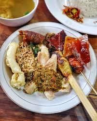 seporsi hidangan Babi Guling Candra
