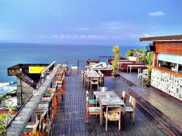 Single Fin rooftop bar bali