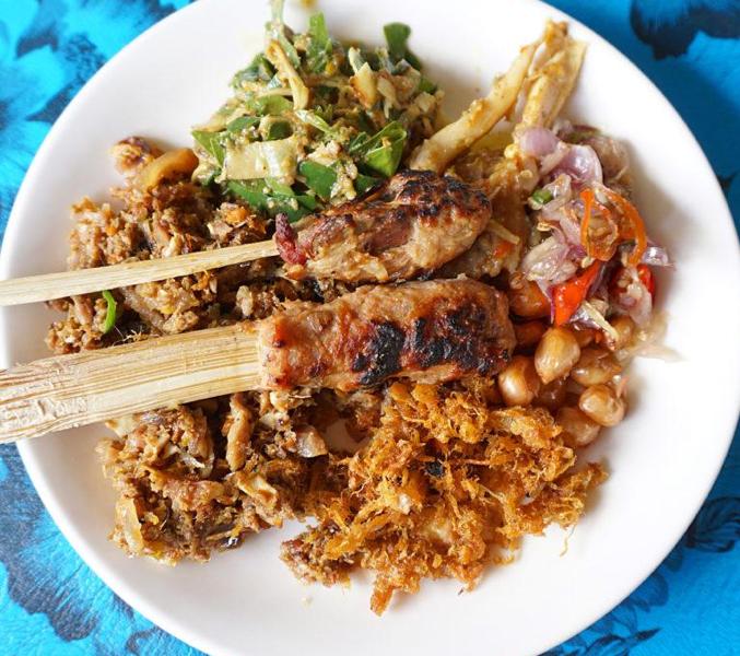 Lawar Bali: Hidangan Khas Cita Rasa Bali