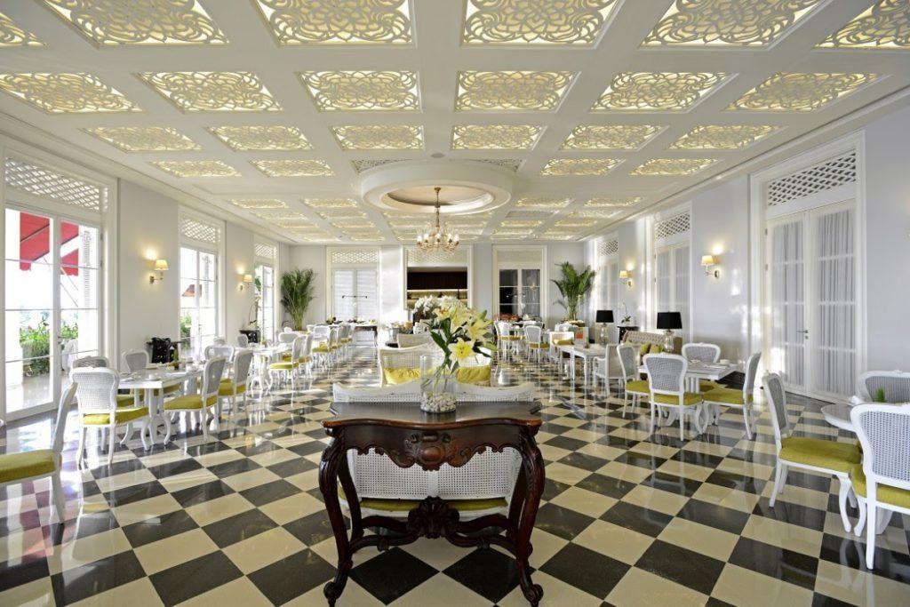 andrawina restaurant interior