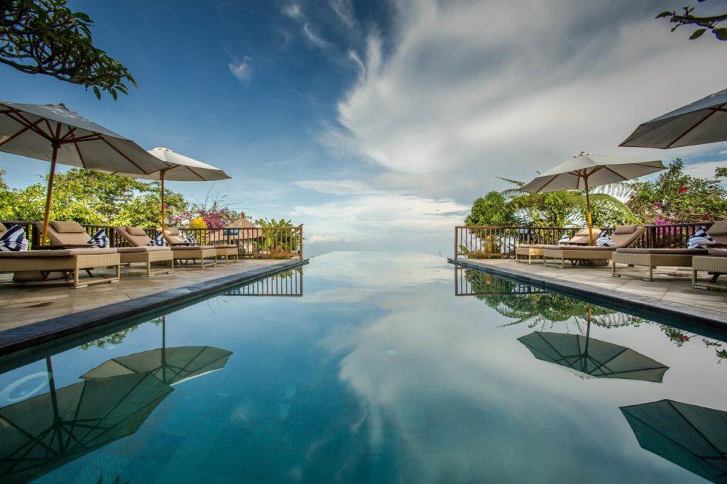 Infinity pool ofmunduk villa in North Bali