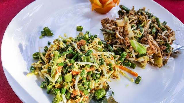 local food lawar bali