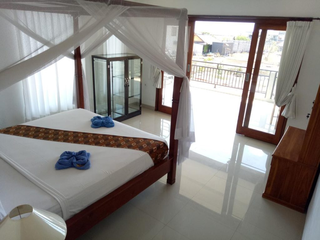 Minory guesthouse room with terrace in East Bali