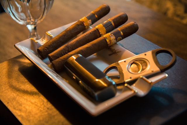 7 Cozy Cigar Lounges in Bali, Must-visit!