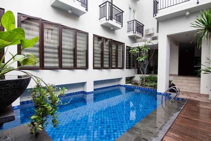 swimming pool in Marrakesh Inn