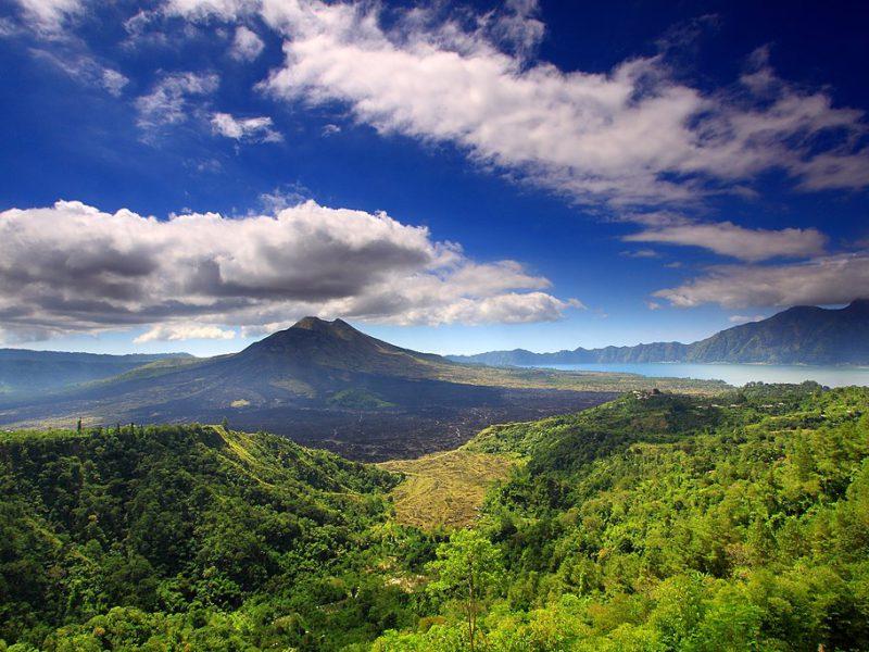 10 Gunung di Bali Yang Harus Dikunjungi
