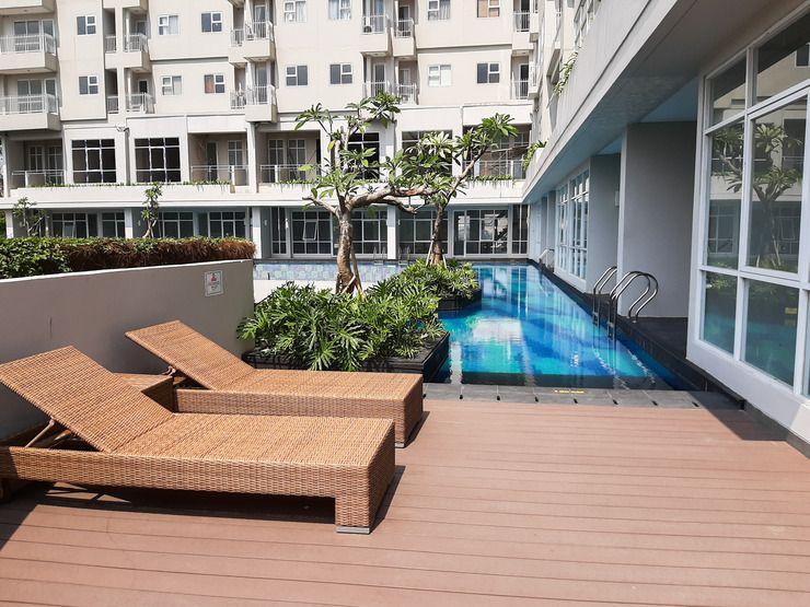 Apartment's swimming pool