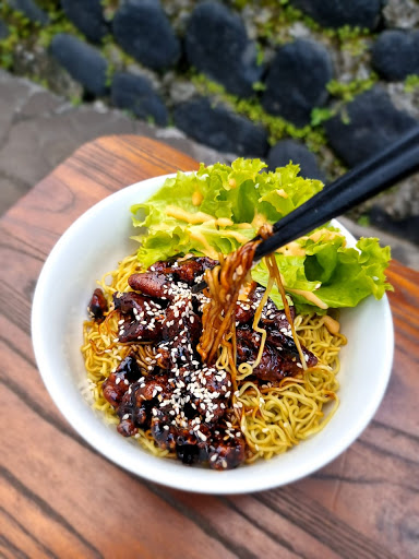 restaurants near Bali Zoo hongalia