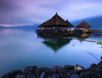 Restoran Apung Kintamani, Suasana Makan Sambil Menikmati Keindahan Danau Batur Bali