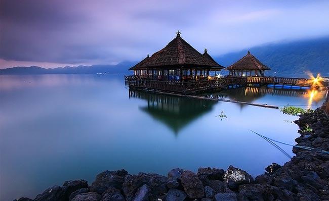 Kintamani Floating Restaurant, Dining While Enjoying the Beauty of Lake Batur Bali