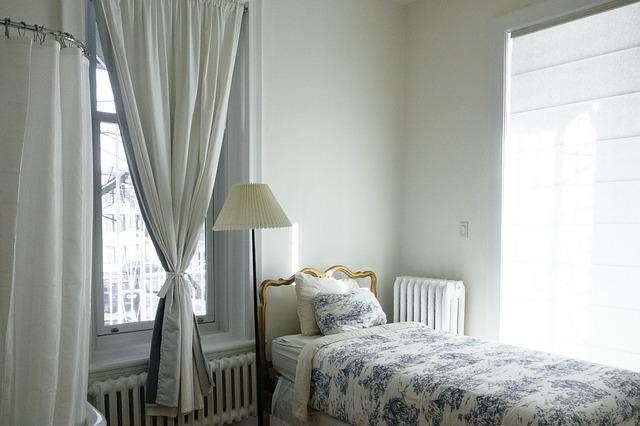 8 Cara Mengusir Nyamuk di Kamar Tidur Anda