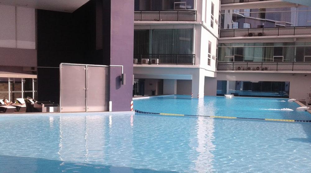 kolam renang pasar baru mansion