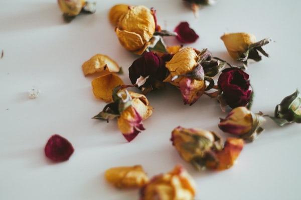bunga mawar rokok herbal