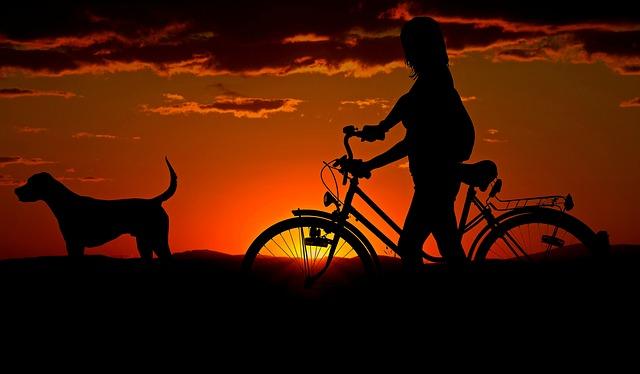 kegiatan di Pantai Sanur bersepeda
