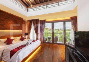 private villa with kitchen