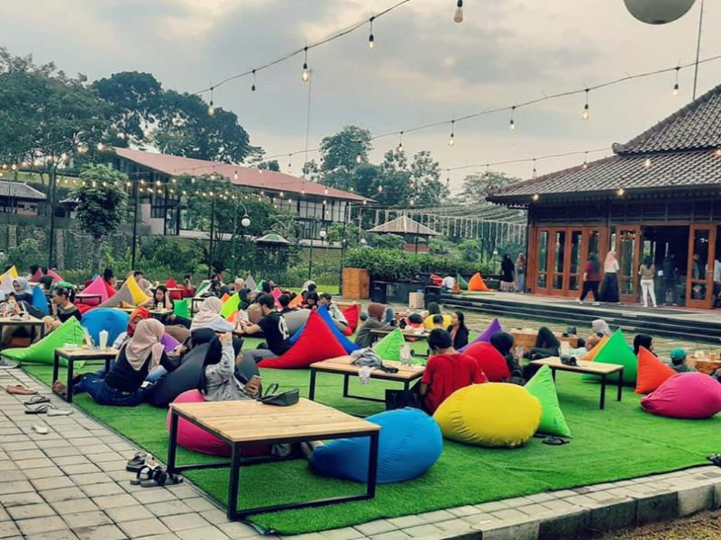15 Places to Eat in Sentul That You Must Visit!